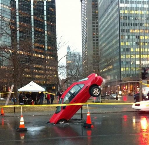 Nid de poule géant à Montréal